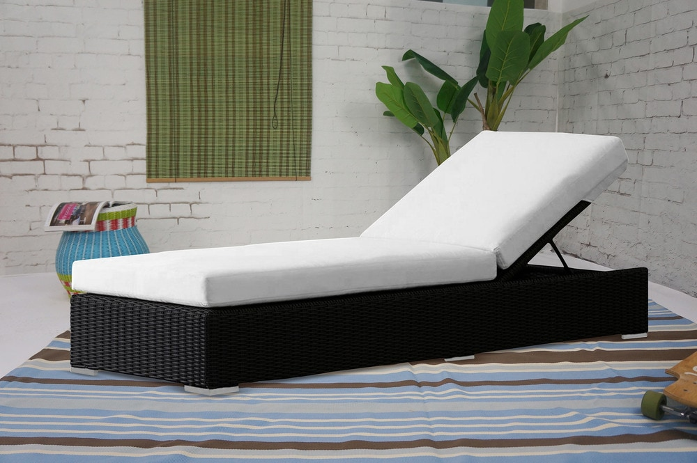 Kontiki beach pool lounge resin wicker chaise for 3 in 1 beach chaise lounge