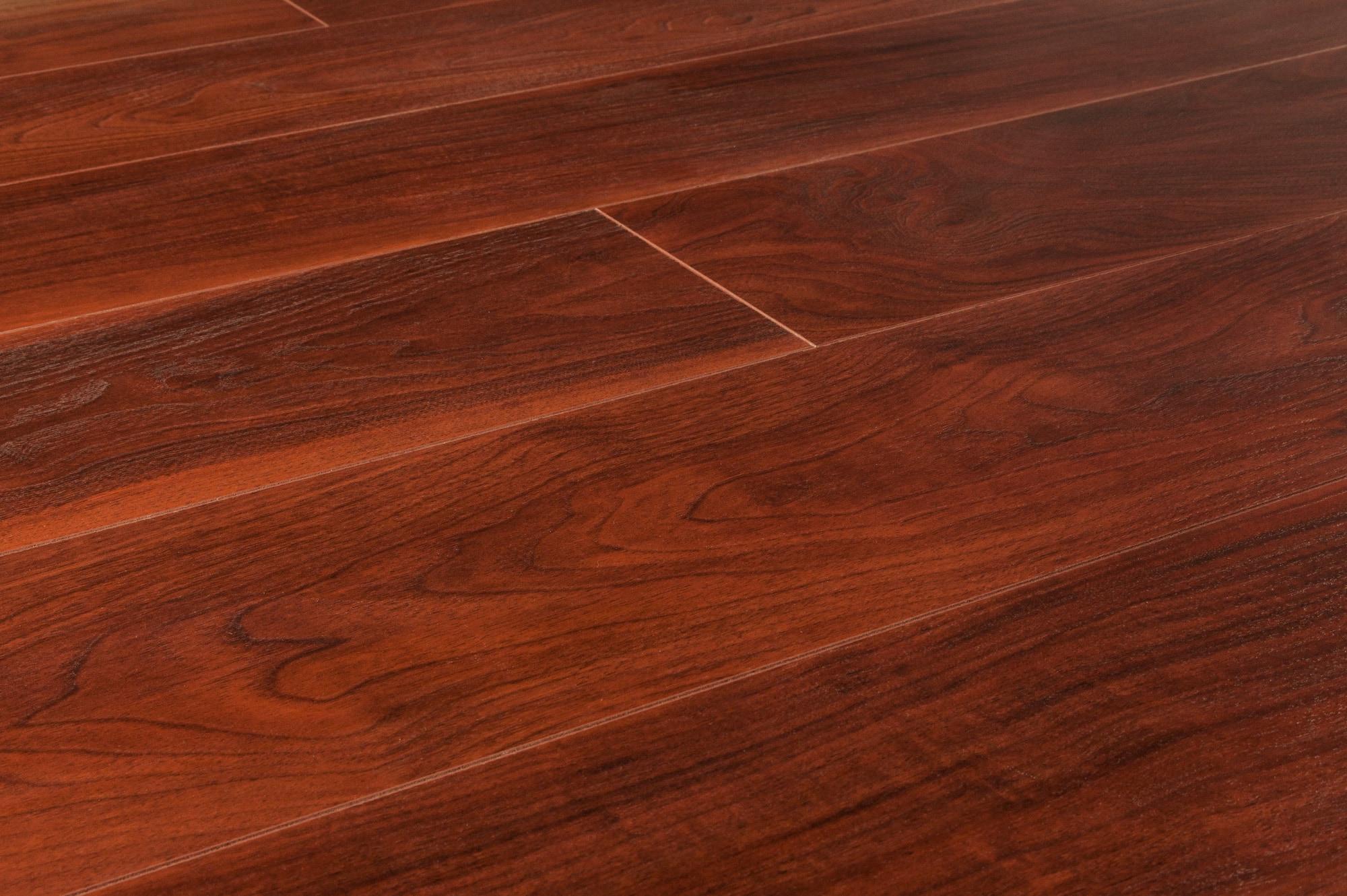 Lamton laminate 12mm american walnut collection prime rose for Walnut laminate flooring