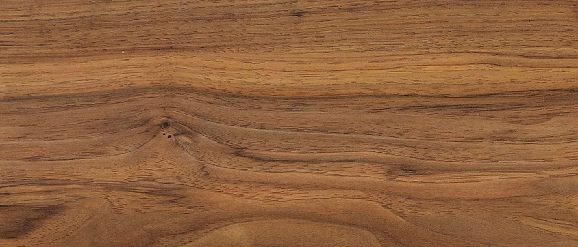 Lamton laminate 7mm hand crafted essentials westway pecan for Pecan laminate flooring
