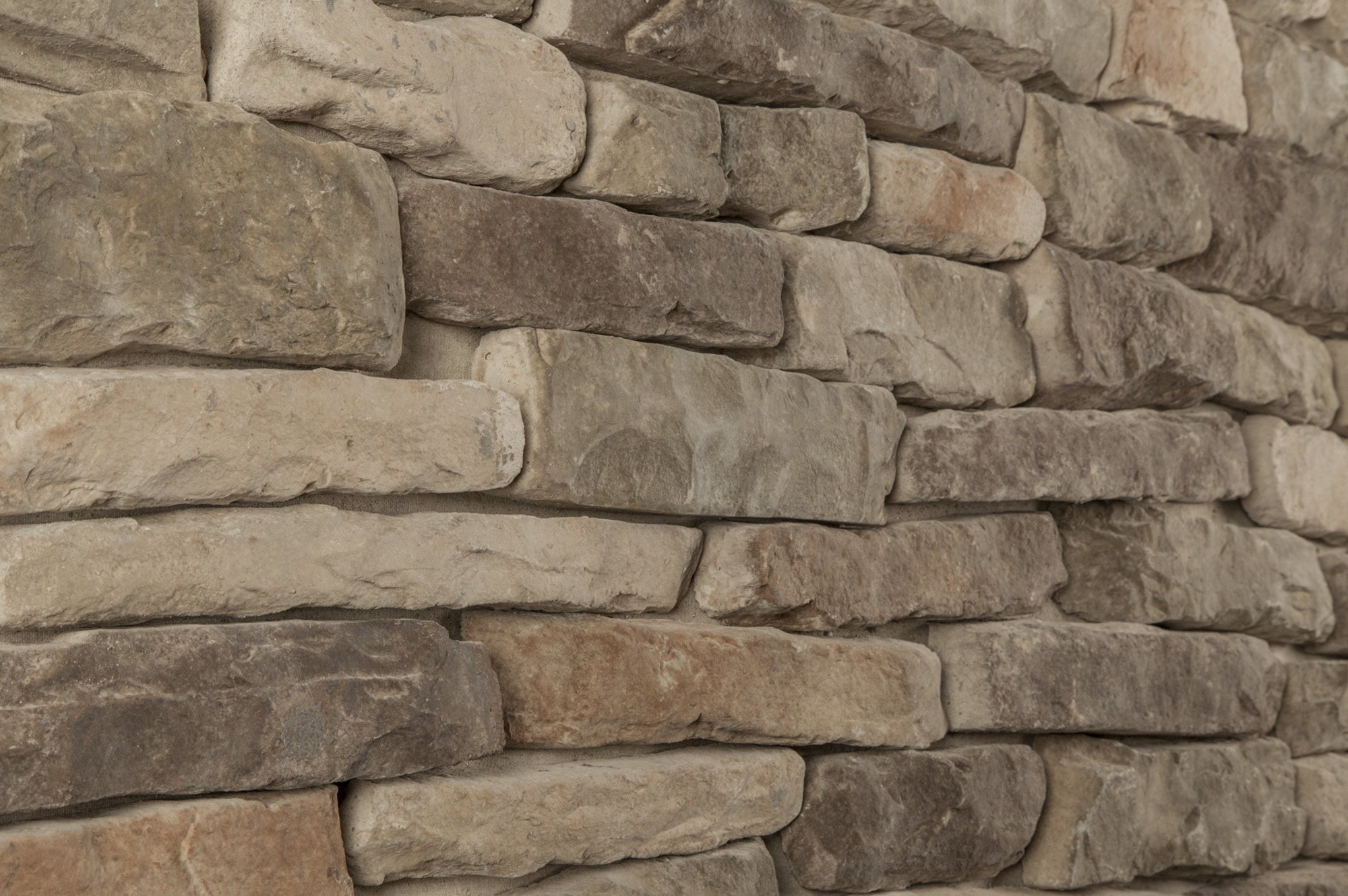 Stone Veneer Products : Black bear pallets manufactured stone ledge mossy