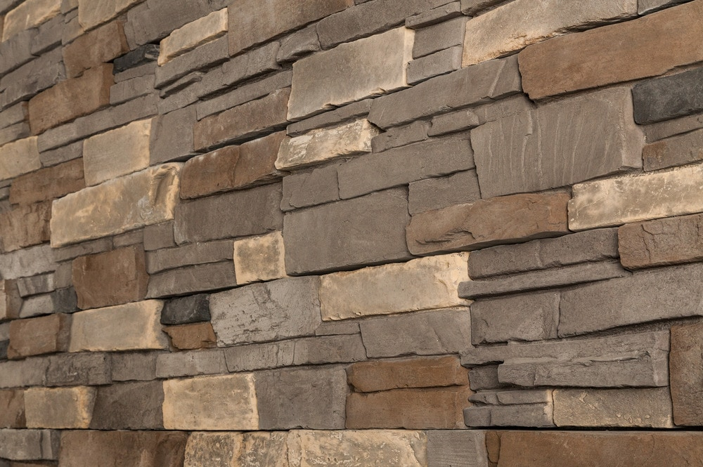 Black bear pallets manufactured stone stack n tack terra for Manufactured veneer stone