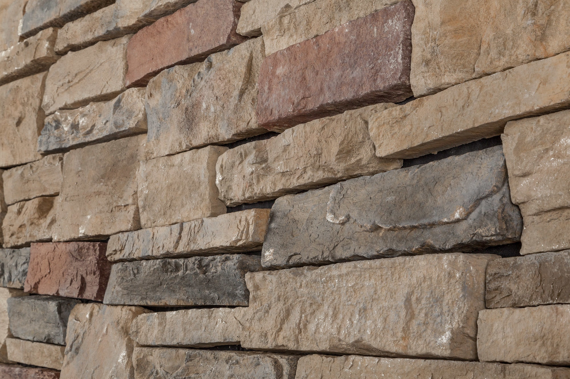 Black bear pallets premium manufactured stone western for Stone facade siding