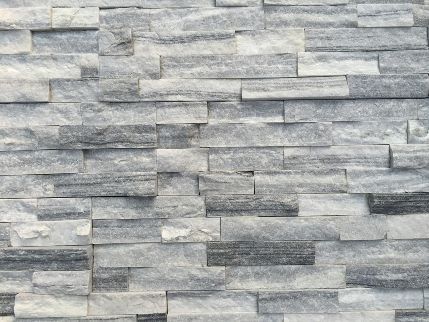 Roterra Stone Siding Natural Ledge Stone Cloudy Gray