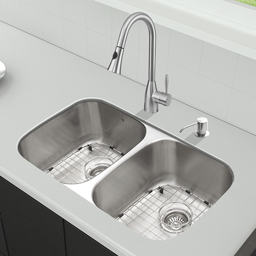 Vigo All In One 32 Undermount And Set Stainless Steel Kitchen Sink And Faucet Vg15340