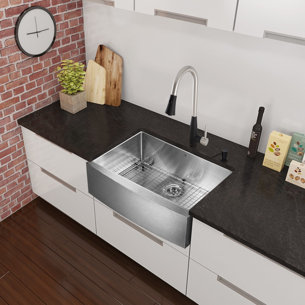 "Vigo 33"" Farmhouse w Grid And Strainer Stainless Steel Kitchen Sink"