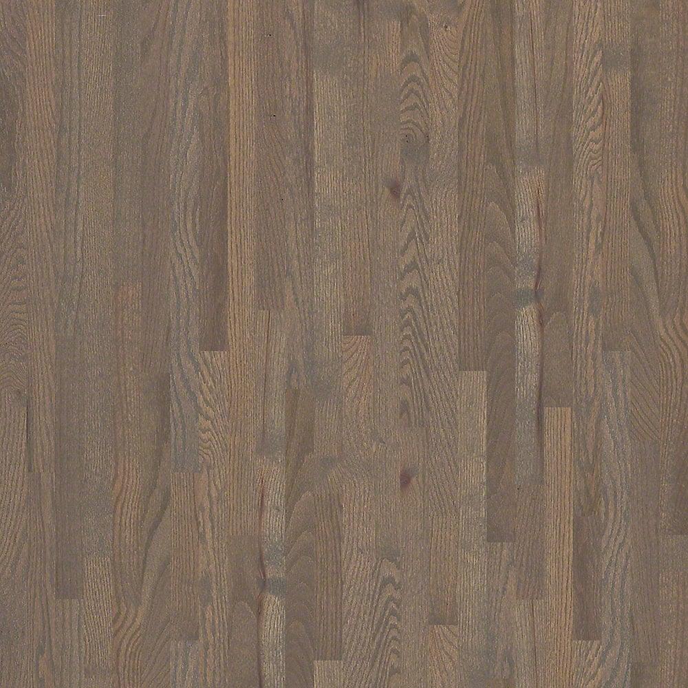 Shaw floors solid hardwood flooring plantation oak for Shaw hardwood flooring